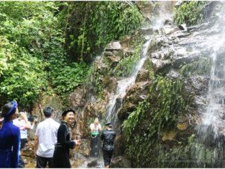 Impressive Ivory Falls