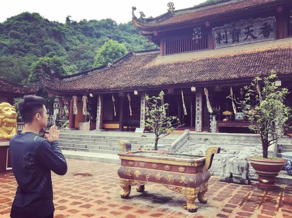 Huong Pagoda to find the pure beauty