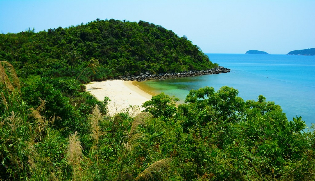 Cu Lao Cham, Greek adventurer, Quang Nam, Cham islands, romantic beauty